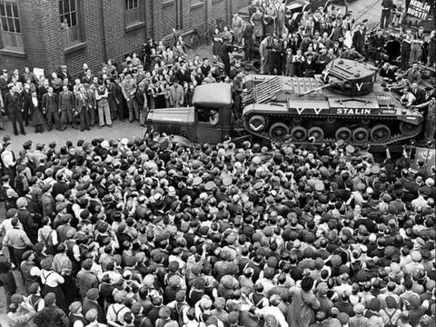 没有研发代号,皮薄馅大的瓦伦丁坦克,为何成了英国的救命稻草?
