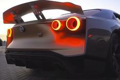 早上还在说GTR R50,这不,中东的土豪就已经上手试驾了