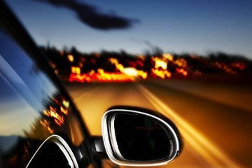 在夜间开车,避免危险要注意这7个事项