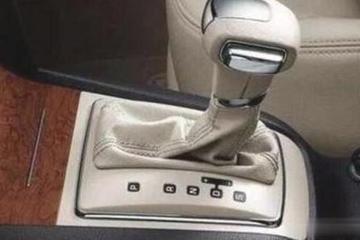 自动挡N和D挡切换 有必要踩刹车吗?99%人拿不准 不懂的可别乱踩
