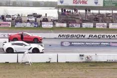 美系跑车对决:科尔维特Z06vs科迈罗ZL1