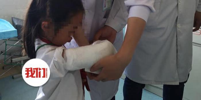 女童胳膊骨折植入钢板断裂 院方:已借3万给其看病