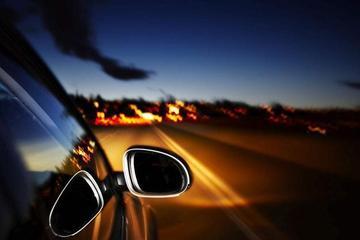 夜间行驶危险增加,怎样开车?#25293;?#20445;证安全?车友要牢记这几点!