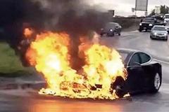 @12缸汽车网 为何燃油车自燃容易救,电动车自燃却难以控制?