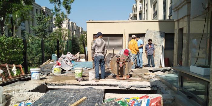 北京一小区私挖地下室 曾虚假回填将恢复原状