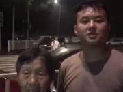 四川宜宾地震来了 他一口气背邻家奶奶冲下10楼