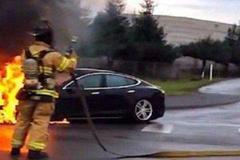 电动汽车自燃该如何自救?