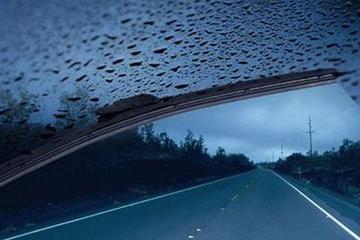 雷暴雨天气频繁,这些雨天安全行车的知识要清楚!