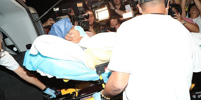 英皇娱乐高层:任达华第二次手术顺利完成