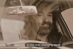 《永恒的激情》:保时捷911 992广告
