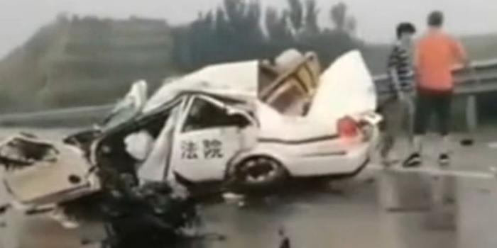 河北青龙县法院干警办案途中遇车祸2死1伤