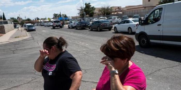 美得州槍擊案嫌犯一路開槍進店 多達3000人正采購