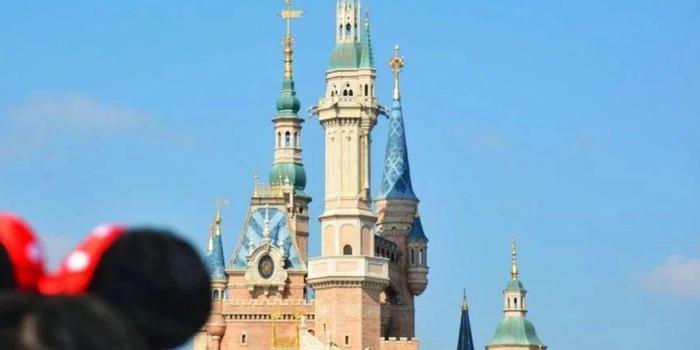 人民網:迪士尼你這么干 吃相難看