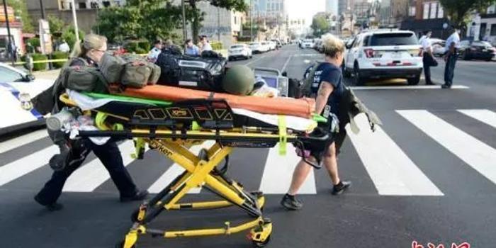 美国费城枪击案致6名警察受伤 枪手射击近30分钟