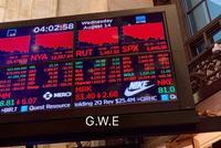 美债收益率倒挂亮起衰退红灯 道指暴跌800点