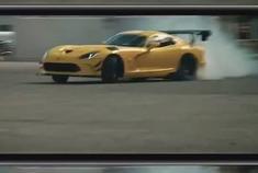 汽车视频:让你拍到车牌是我道奇的错!