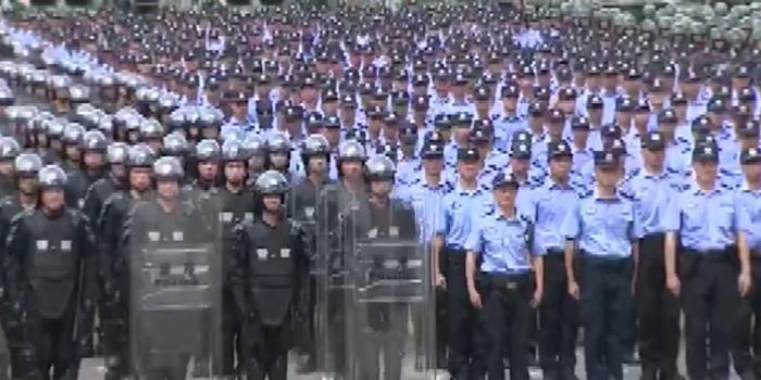 8月17日 深圳公安武警联合大练兵