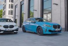汽车视频:2020款 宝马 M135i 白与蓝