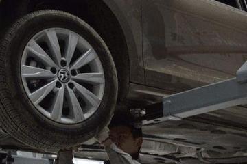 私家车轮胎能用多久?老司机:超过这时间,豪车也会爆胎