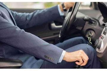 新手别这样开自动挡,这三种行为可能让你车子提前报废!
