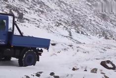 有它何必奔驰G?奔驰乌尼莫克4驱越野卡车