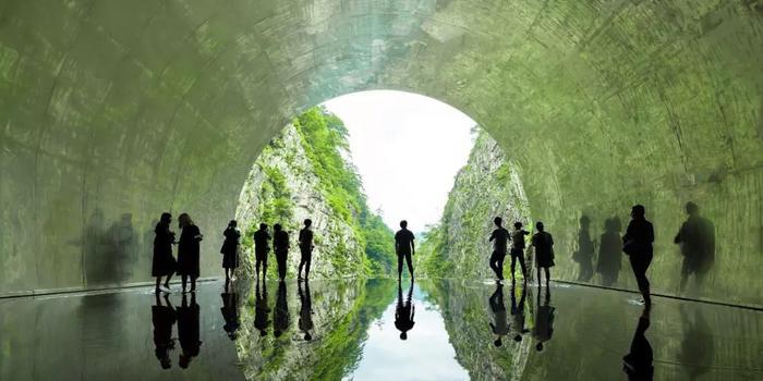 """惊艳 中国建筑师在日本设计了一条""""光之隧道"""""""