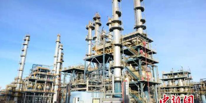 青藏高原唯一煉油廠開通公路運輸保障青藏航煤需求
