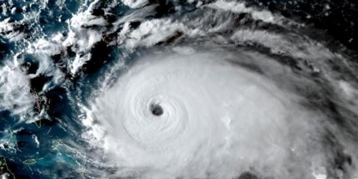 """五级飓风""""多里安""""登陆巴哈马 预计3日抵美"""