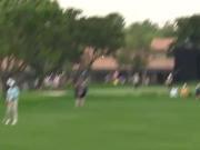 视频-那些年老虎救的球 伍兹棘手球位救球集锦