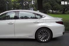 """如果要用""""优雅""""形容一款车,那非雷克萨斯ES300h莫属"""