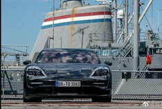 2020年,保时捷Taycan - 090英里每小时在10 17秒的航空母舰