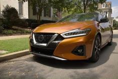 汽车视频:2020款 日产 西玛 SR 外观
