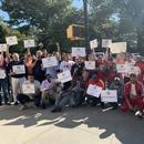 纽约网约车司机游行抗议 逾200华人司机参加