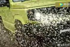 2019款吉姆尼越野展示,爬雪山,趟泥地,性能不输奔驰G