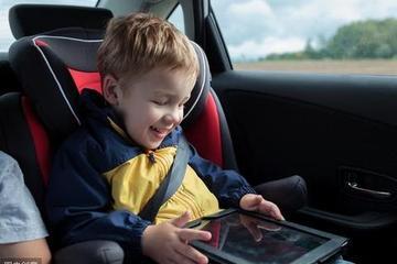孩子该怎么坐在车里?注意陋习以免后患