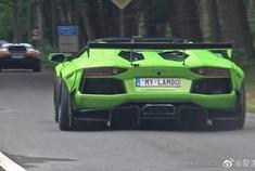 超级汽车加速!自由之路Aventador,LaFerrari