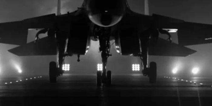 请祖国检阅!揭秘受阅飞机舰载机梯队之歼-15