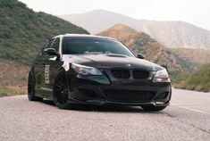 BMW M5 这pp真是性感,反正现在我是找不到这么性感的了。
