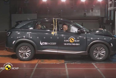 2019款现代Nexo氢燃料电池车碰撞测试,获五星安全等级。