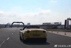兰博基尼小牛VS奥迪RS4,明显不是对手!