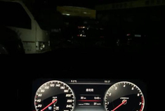 奔驰E级体验64色流光溢彩氛围灯,搭配内饰柏林之声音响很漂亮