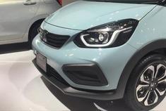 新一代本田飞度的设计科技感极高,像极了本田e的汽油版
