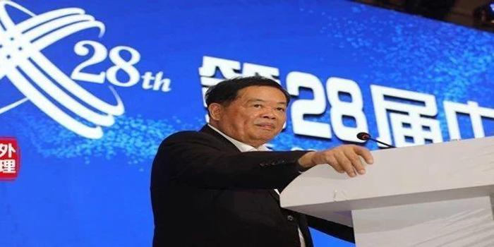 曹德旺:经济寒冬企业自救 需敬天、爱人、有信仰