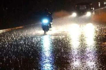 下雨天别开远光灯!能见度低的雨雪季,老司绝不做这三件事