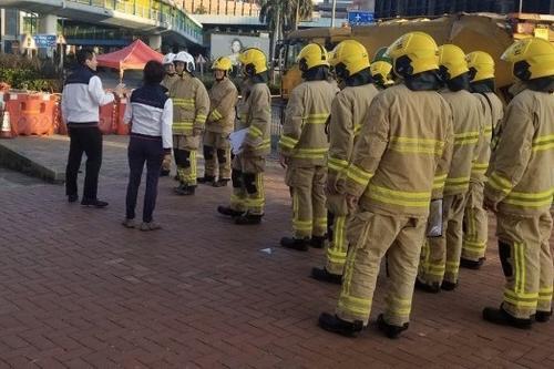 香港警方结束搜证并清除危险品 解封理大校园