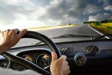 开车有6个习惯就是高手,说明你已经是老司机了!