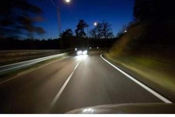 经常跑高速,请记住这4个驾驶技巧,每一个都很实用!