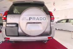 2021款丰田普拉多中东高配版,这就是丰田霸道该有样子,不要太帅