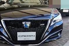可算见到了,2021款丰田皇冠RS混动版,身姿欣赏