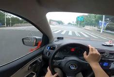 5万块的二手大众POLO开上高速体验一下当年12万的小车隔音如何